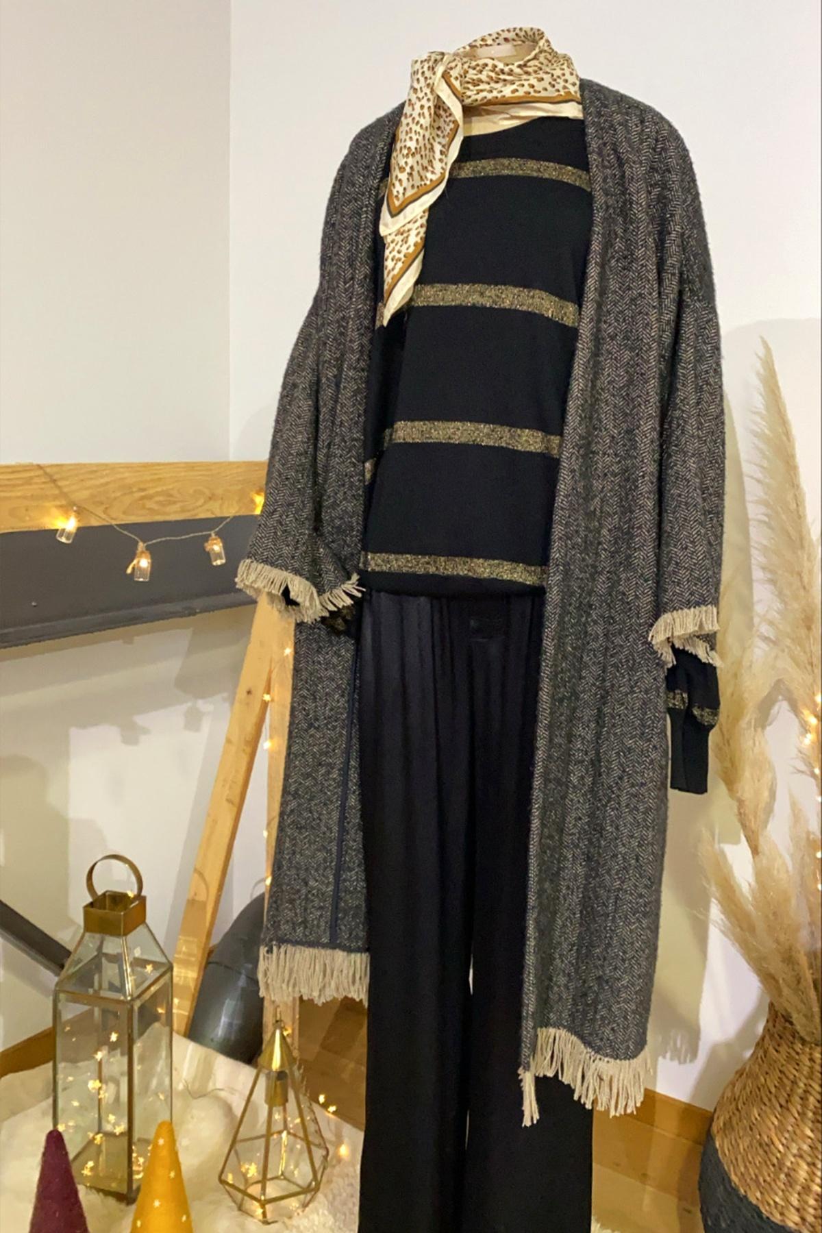 TIARA Sweater